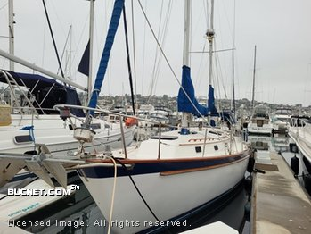 PEARSON YACHT for sale picture - Sail,Cruising-Aft Ckpt